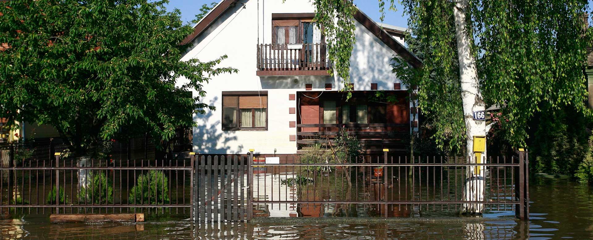 Schäden am Haus durch Starkregen