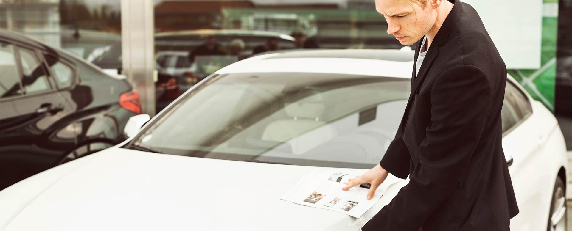 Genaue Prüfung beim Gebrauchtwagenkauf