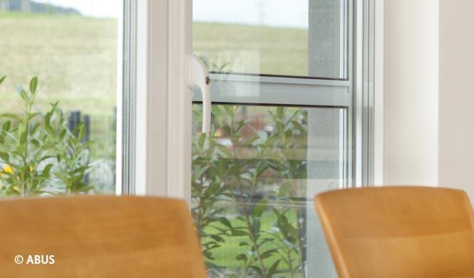 Zusätzliche Sicherungen für Fenster und Balkontür