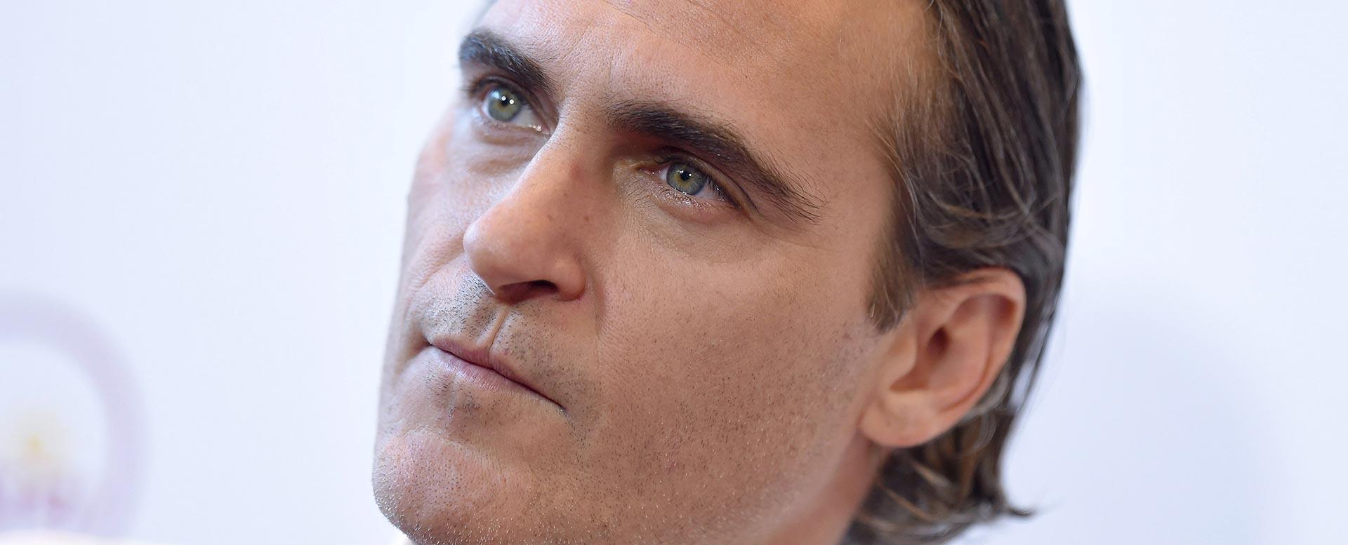 Leichte Form der Lippenspalte bei Schauspieler Joaquin Phoenix