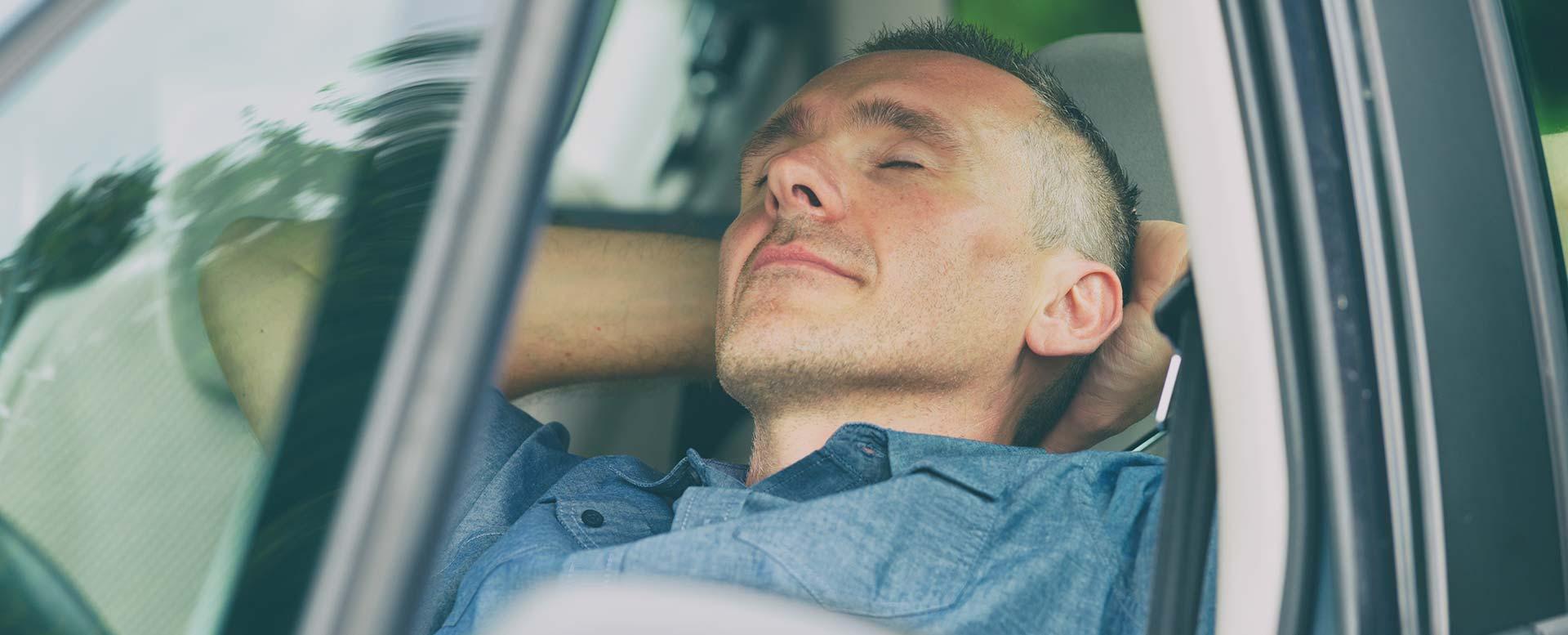 Sekundenschlaf - Ursachen und Warnsignale