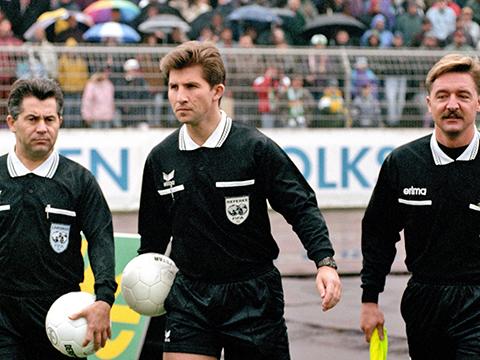 Schiedsrichter um Hermann Albrecht