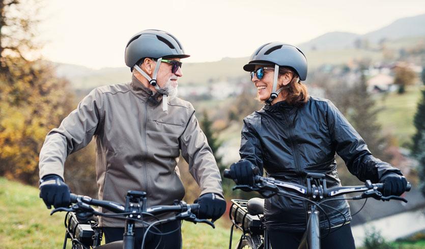 Warm unterwegs mit der richtigen Fahrradbekleidung im Herbst