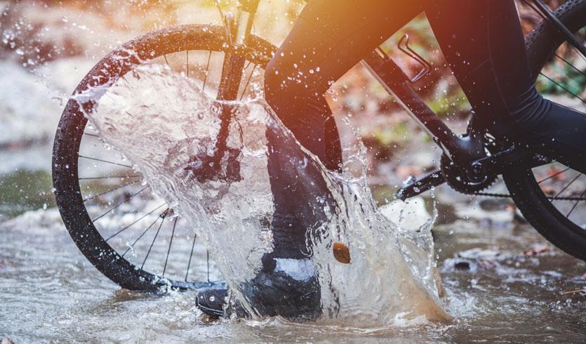 Überschuhe als Fahrradbekleidung im Herbst